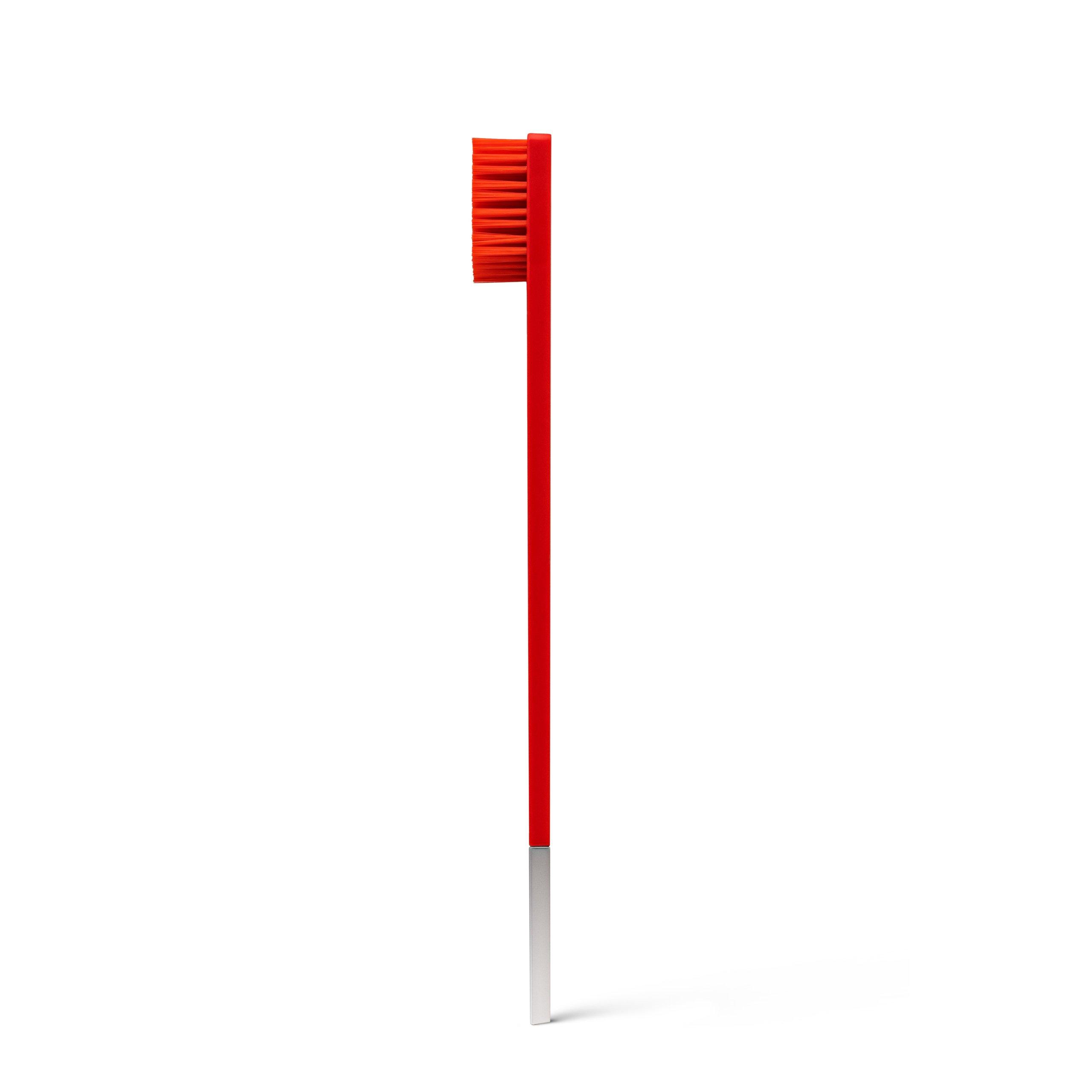 Дизайнерская зубная щетка красная с серебром SLIM by Apriori