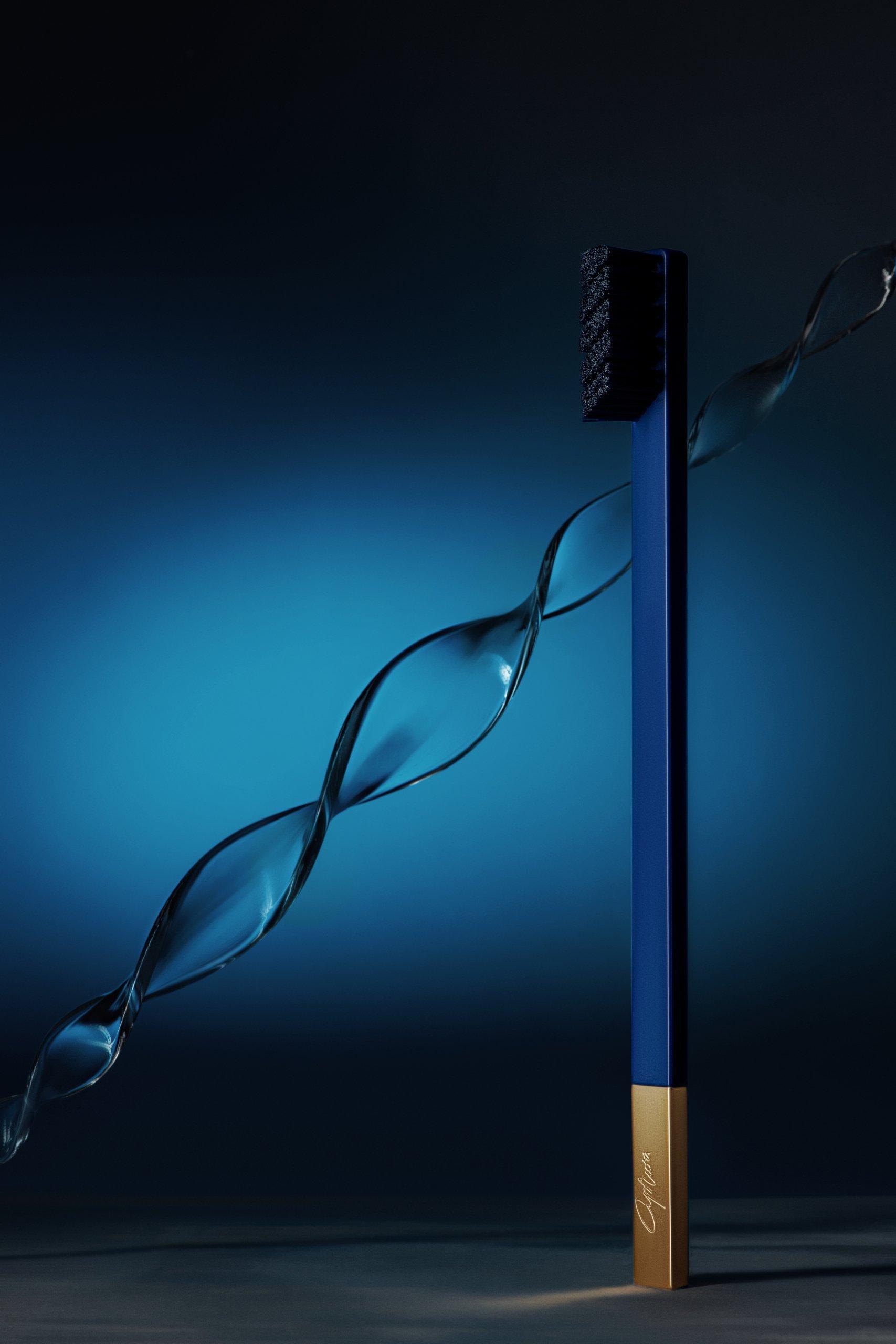 Дизайнерская зубная щетка сапфировая с золотом SLIM by Apriori